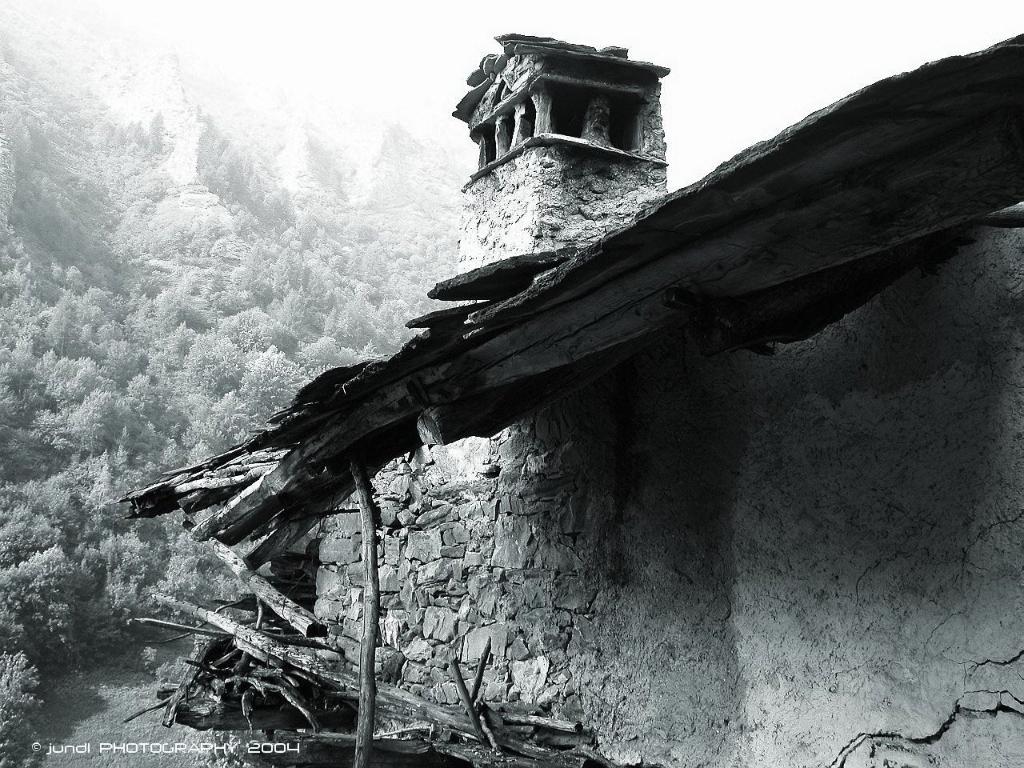 jundl,photography,abandoned places,Narbona,Castelmagno